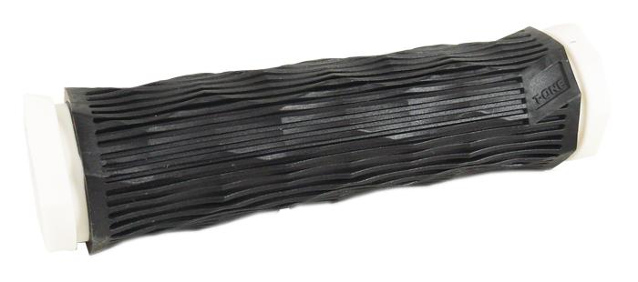 gripy T-ONE GEO T-GP28BW černo-bílý