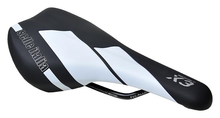 sedlo SELLE ITALIA X3 BOOST černo-bílý od ninex.cz